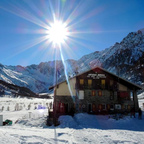 Rifugi e Bivacchi in Val Pellice, Alpi del Piemonte
